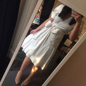 Diane von Furstenberg Dresses & Skirts - Diane Von Furstenberg White Bellette Wrap Dress