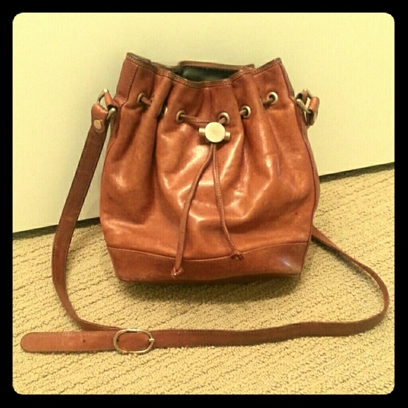 9b158c2635 Vintage Russell   Bromley Leather Bucket Bag. M 56f6a98e9c6fcfd5ce00352f
