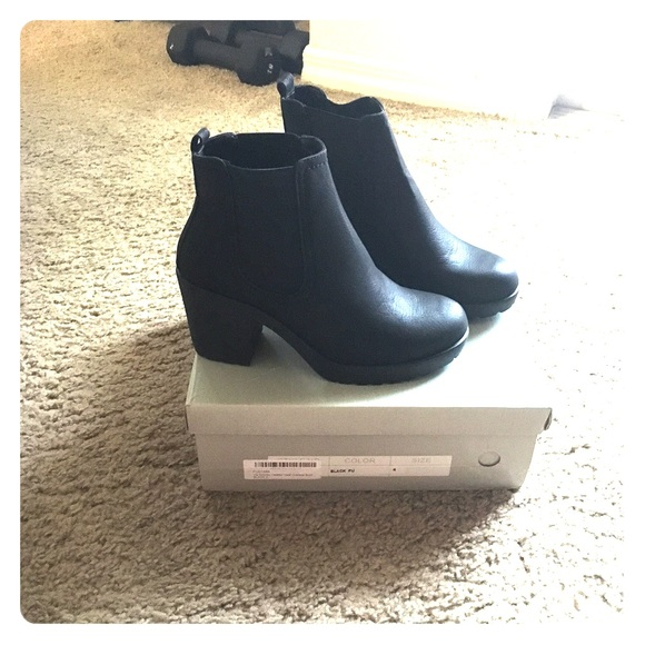 524aac846c62 Boohoo Shoes | Black Chelsea Boots | Poshmark