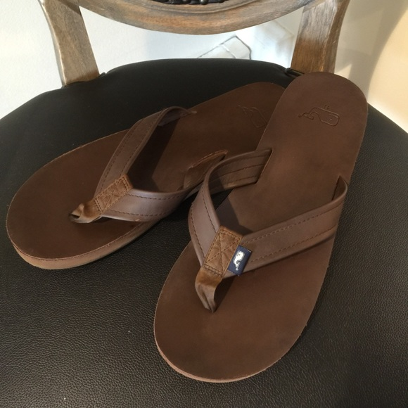 2d4c52b5c50329 Vineyard Vines Men s Leather Flip Flops Size 11. M 56f6bb612ba50af4f405d047