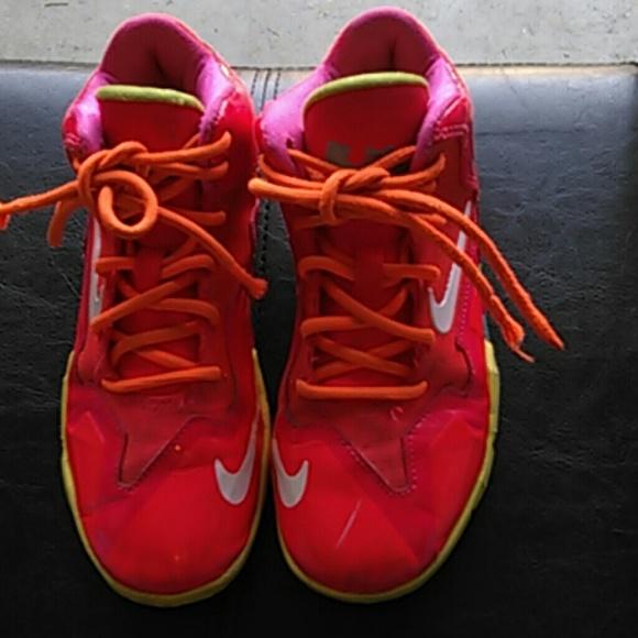 lebron james shoe size - photo #48