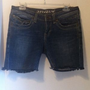 Pants - Trend Alert - Fashionable Dark Wash Denim Cutoffs