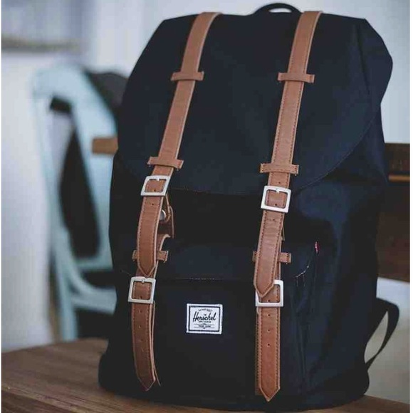 68be3312cf8 Herschel LITTLE AMERICA BACKPACK MID-VOLUME 16 NEW