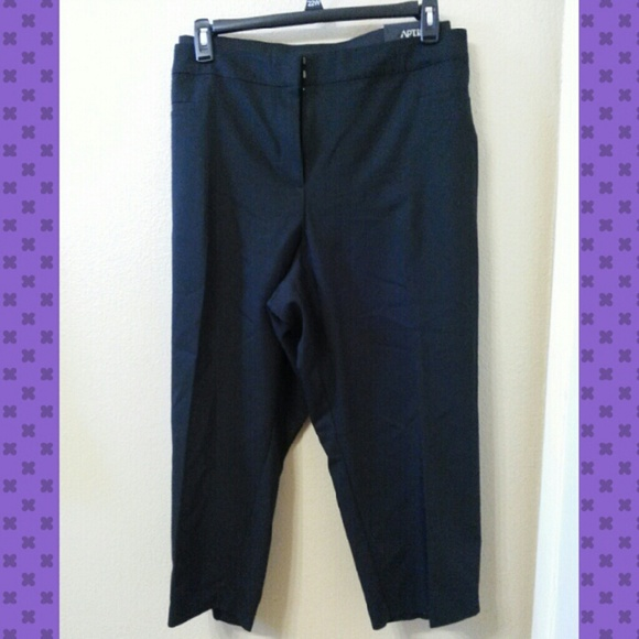 79% off Apt. 9 Pants - Dressy Black Capri Pants from Rosy ...
