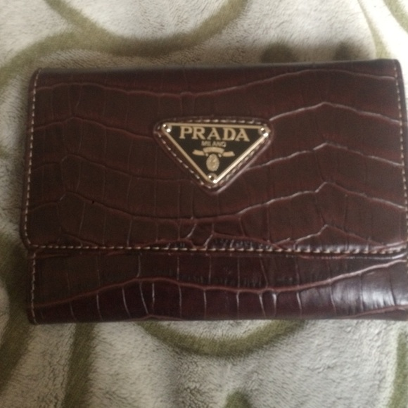 Prada Milano wallet. M 56f6f085ea3f36da4600b100 3bd951fa63