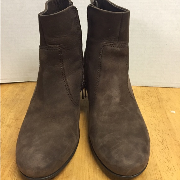ad812a7459148 Ecco Shoes   Sculptured 65 Women Us 75 Coffee Bootie   Poshmark