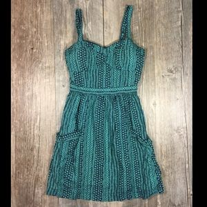 American Eagle Outfitters Dresses & Skirts - Green and navy tribal cross back pocketed dress 00