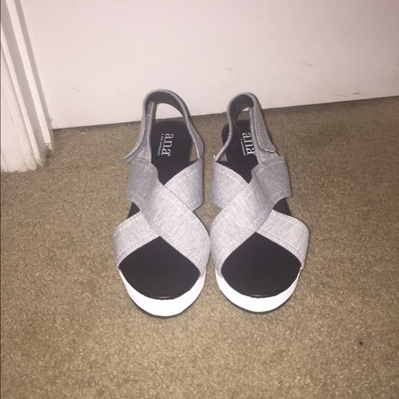 83 jcpenney shoes gray and white wedges from amani