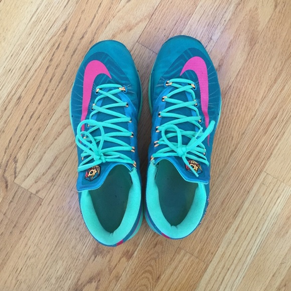 2a444fa812da KD VI Elite-Green and Pink Nike Basketball sneaker.  M 56f70483c2845652d900d4ea