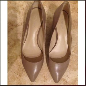 Nine West Shoes - 👠👠Nine West pinkish tan color low heel!