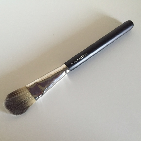 MAC Cosmetics Other - MAC Cosmetics 190 Foundation Brush