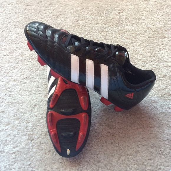 59acb5ce2cd Adidas Shoes - Adidas TRAXION Women s Soccer Cleat