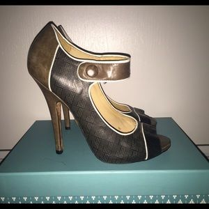 L.A.M.B. Heel with Strap