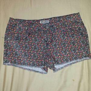 Mudd Pants - Floral shorts