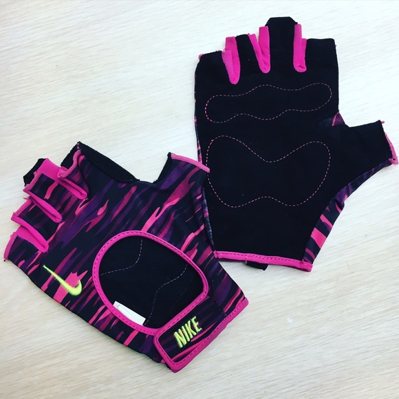 🐰EASTER SALE🐣NIKE Women s Workout Gloves LARGE. M 56f73695680278b9000697f3 0a3c467a7b