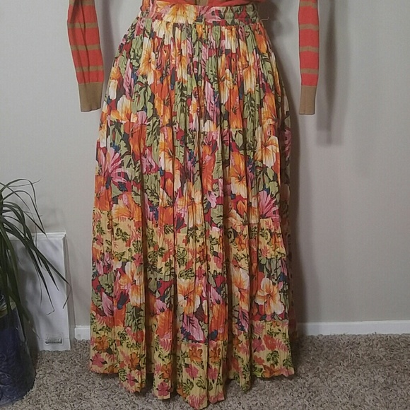 white stag gorgeous hawaiian floral maxi skirt from