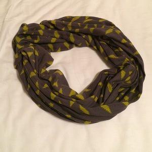 Patterned light scarf