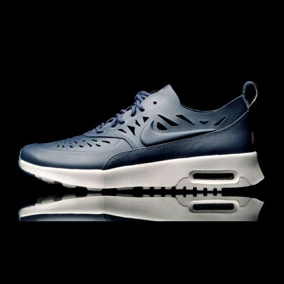 size 40 d75bc db76f New Navy Nike Air Max Thea Joli Sz 7