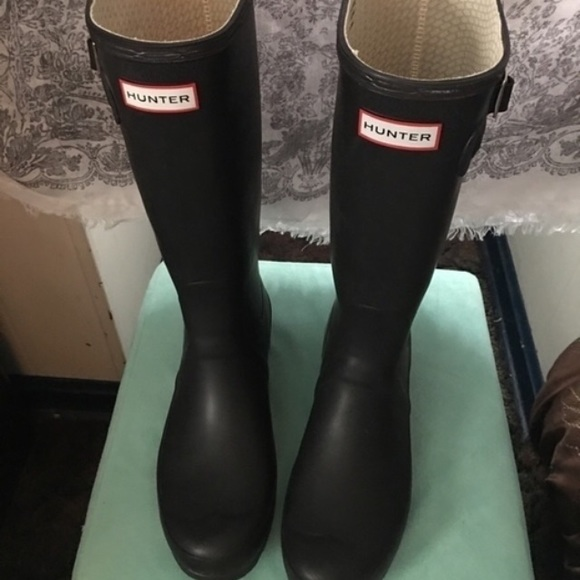 25 off hunter boots shoes hunter boots for sale from jenci 39 s closet on poshmark. Black Bedroom Furniture Sets. Home Design Ideas