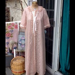 GORGEOUS 40s/50s SAKS FIFTH AVE LACE HOUSECOAT
