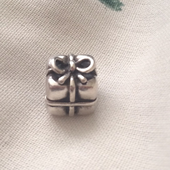 Pandora Jewelry - Authentic Pandora Present Charm (Retired)