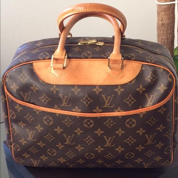 Louis Vuitton Handbags - Authentic pre-loved LV Handbag cf1211afc9324