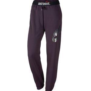 Nike Pants - 💙NOBLE PURPLE 💙 Nike Leg a See Metallic Sweats⭐️