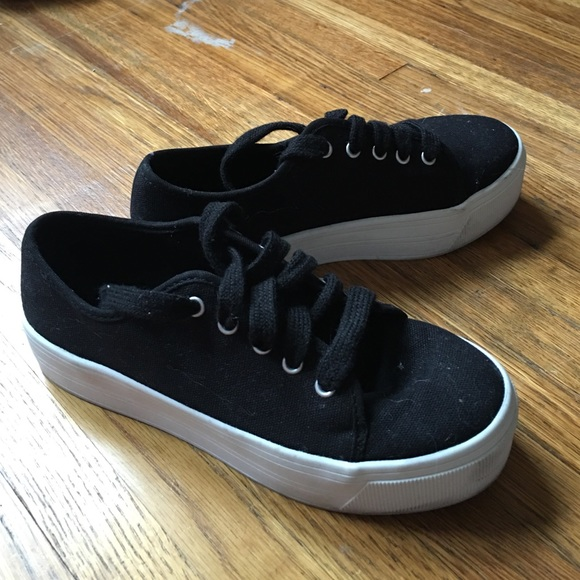 Forever 21 Shoes - Forever 21 black platform sneakers! Size 6 bbf654e9a5