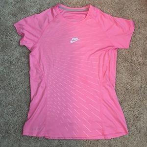 Nike women's medium pink running tee
