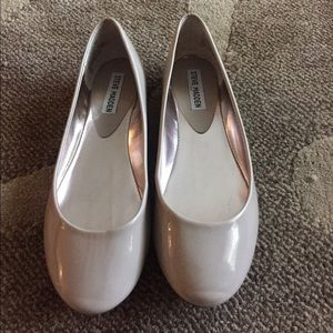 Steve Madden light taupe / tan flats