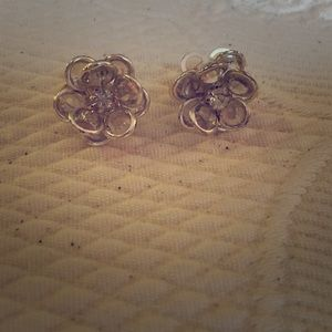 💕2/$20💕 Sterling Silver Crystal Flower Studs
