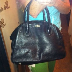 henri bendel Handbags - Authentic Henri Bendel Leather Purse 🎉🎉 HP 🎉🎉