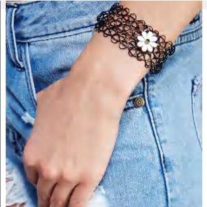 Jewelry - NWT daisy charm tattoo bracelet