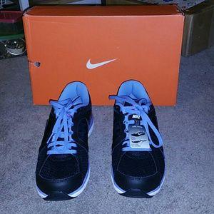pretty nice ec3d9 a1f79 Nike Shoes - Nike black pink blue dual fusion ST 3 sz 7