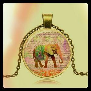 Jewelry - *NEW* Bronze Vintage Elephant Cabochon Necklace