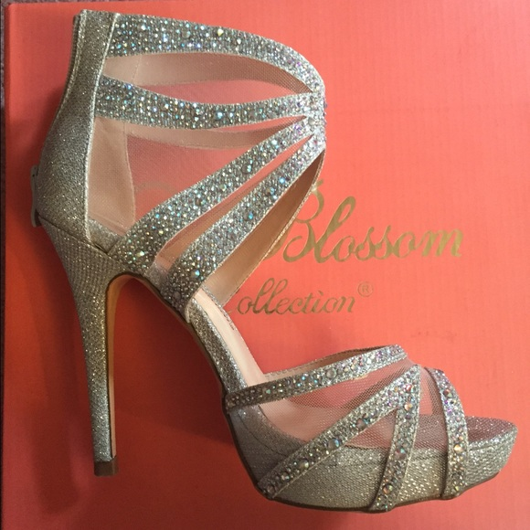 40% off De Blossom Shoes - Size 7, silver prom heels from Tori's ...