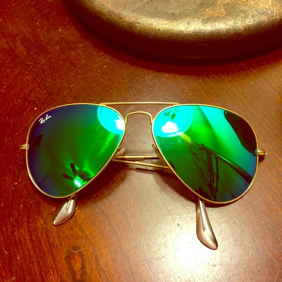 64ed5f9c41 Ray-Ban ✨ polarized Aqua Green Mirrored Aviators. M 56f95ec3d14d7bfac1005078