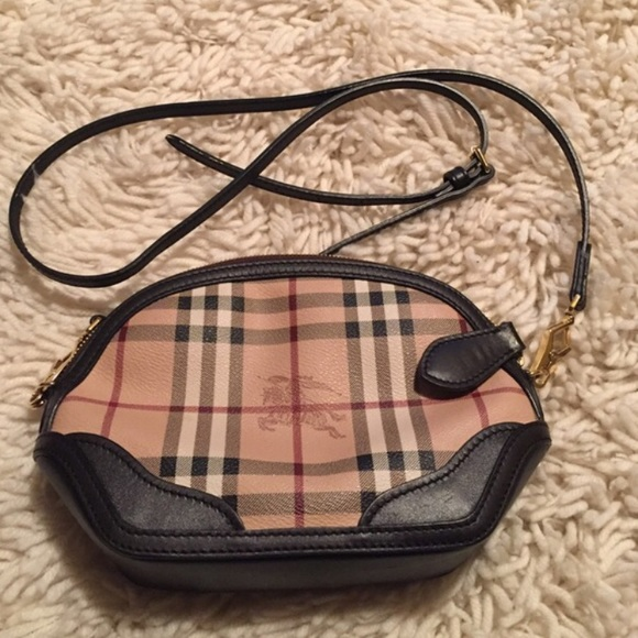 Burberry Handbags - 100% Authentic Burberry Orchard Haymarket Bag e85ff1c879234