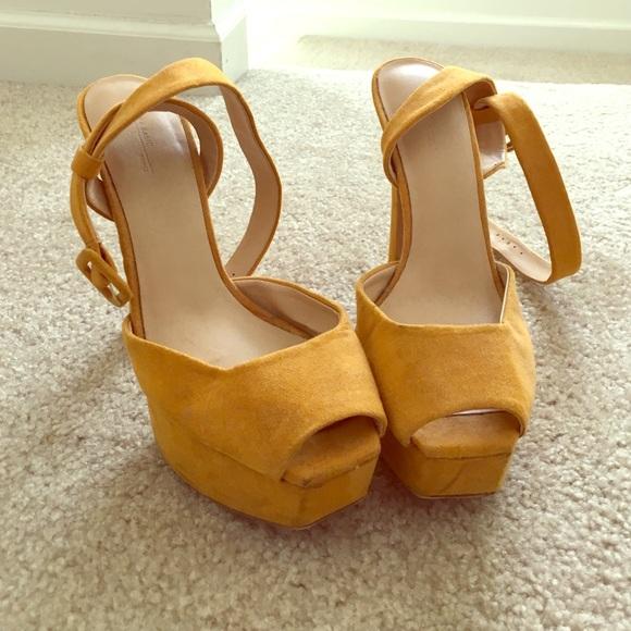 ea34b11e2d3 Zara mustard yellow heels! M 56f96827f0928292b609e3de