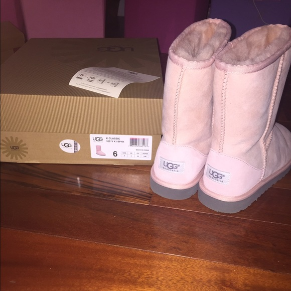 baby pink uggs