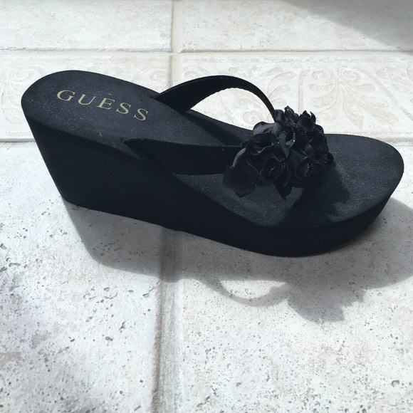 3739fa92d211f2 Guess Shoes - GUESS black wedge flip flop with sparkle flowers 7