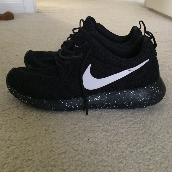 new product f04a9 2ffdf sweden nike roshe run oreo cream 10dce 815f6  ireland oreo speckle nike  roshes b094c 4cd5f
