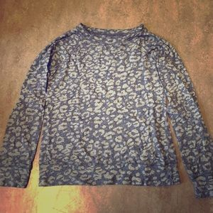 Comfortable grey cheetah print sweatshirt