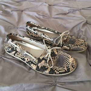 80b7f09ee5b UGG Shoes | Black Sparkle Boot | Poshmark