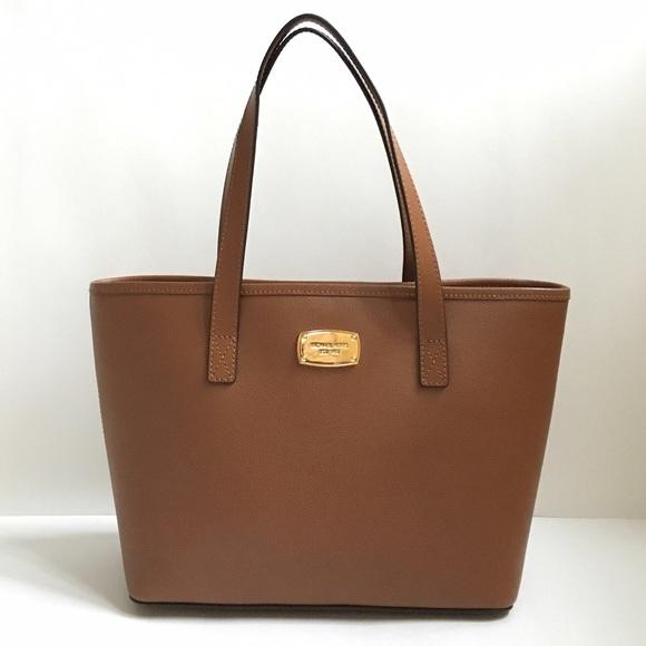 1da53741964e Beautiful Michael Kors bag. ORIGINAL.