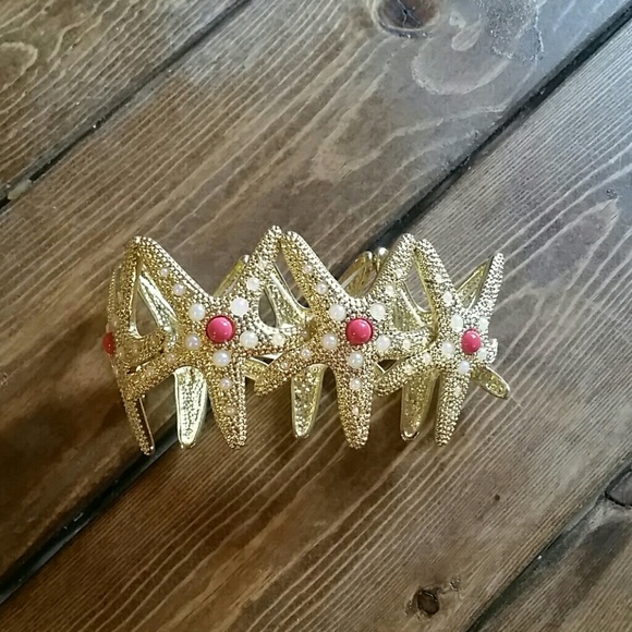 Lilly Pulitzer Jewelry - Lilly pulitzer coral and gold bracelet