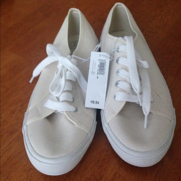 181a13e4d32 Old Navy Ivory Canvas Tennis Shoes-NWT-never worn