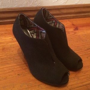 Christian Siriano Shoes - Black booties