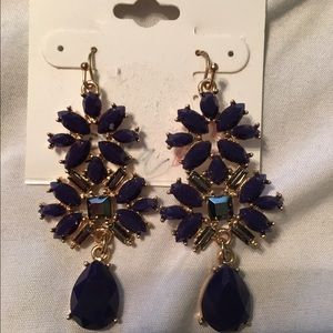 💼3 for 10💋 NWOT NAVY AND GOLD EARRINGS