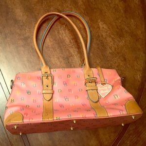 Dooney & Bourke Handbags - Rooney & Bourke pink handbag